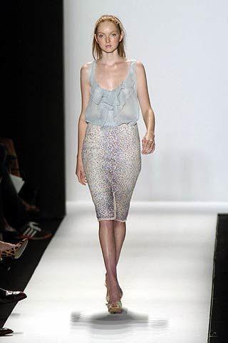 Fashion show, Shoulder, Joint, Runway, Style, Fashion model, Waist, Fashion, Beauty, Neck,