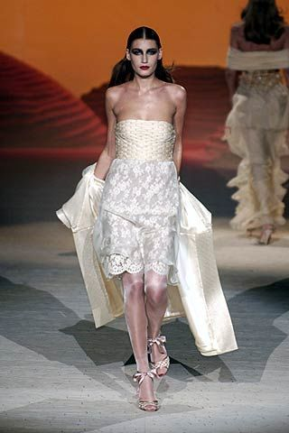 Valentino Spring 2006 Haute Couture Collections 0002