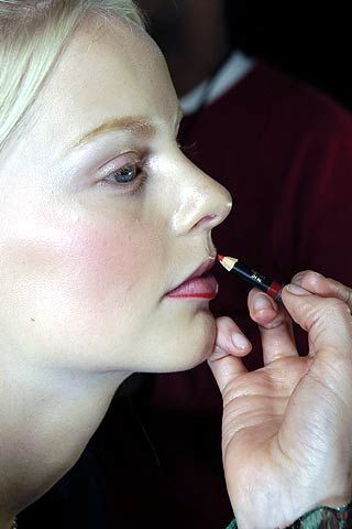 Diane von Furstenberg Fall 2006 Ready-to-Wear Backstage 0003