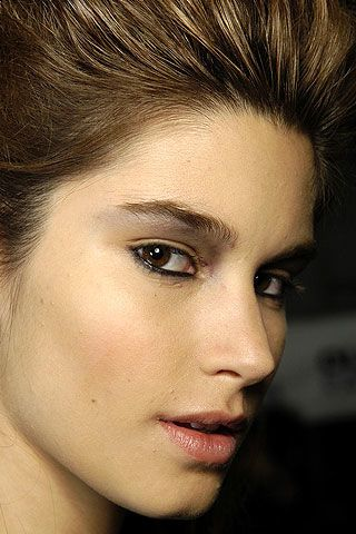 Badgley Mischka Fall 2006 Ready-to-Wear Backstage 0003