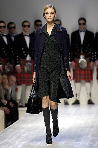 Moschino Fall 2006 Ready-to-Wear Collections 0002