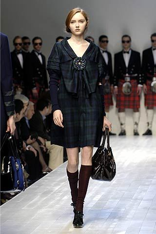 Moschino Fall 2006 Ready-to-Wear Collections 0003