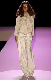 Gucci Spring 2002 Ready-to-Wear Collection 0001