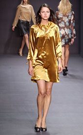 Byblos Fall 2002 Ready-to-Wear Collection 0001