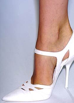 Narciso Rodriguez Spring 2005 Ready-to-Wear Detail 0001