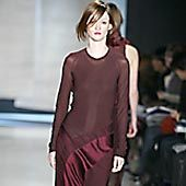 Donna Karan Fall 2002 Ready-to-Wear Collection 0001