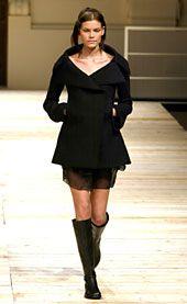 GFFGianfranco Ferre Fall 2002 Ready-to-Wear Collection 0001