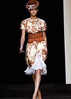 Moschino Spring 2005 Ready-to-Wear Collections 0001