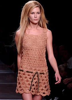 Alberta Ferretti Spring 2003 Ready-to-Wear Collection 0001