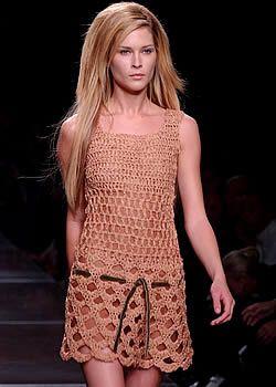Alberta Ferretti Spring 2003 Ready-to-Wear Collection 0001