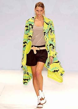 Swash Spring 2005 Ready-to-Wear Collections 0001