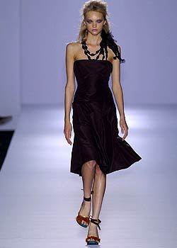 Alberta Ferretti Spring 2005 Ready-to-Wear Collections 0001