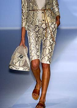 Paco Rabanne Spring 2005 Ready-to-Wear Detail 0001