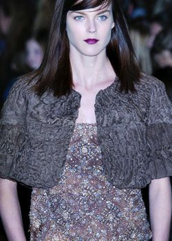 Tuleh Fall 2005 Ready-to-Wear Detail 0001