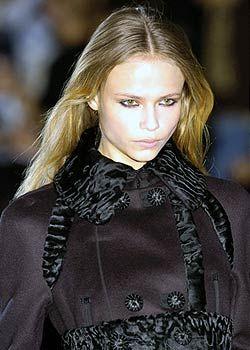 La Perla Fall 2005 Ready-to-Wear Detail 0001