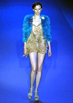Anna Molinari Spring 2005 Ready-to-Wear Collections 0001
