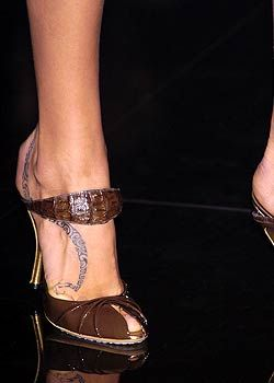 Gucci Spring 2005 Ready-to-Wear Detail 0001