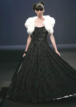 Adam Jones Fall 2005 Haute Couture Collections 0001