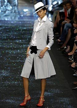 Lagerfeld Gallery Spring 2005 Ready-to-Wear Collections 0001