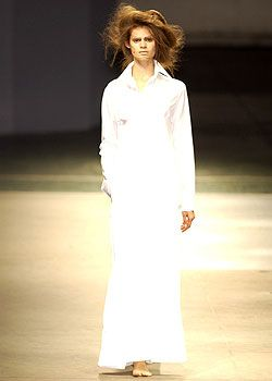 Yohji Yamamoto Spring 2005 Ready-to-Wear Collections 0001
