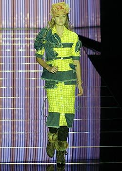 John Galliano Spring 2005 Ready-to-Wear Collections 0001