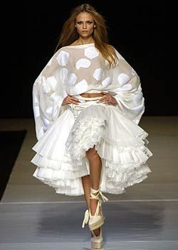 Emanuel Ungaro Spring 2005 Ready-to-Wear Collections 0001