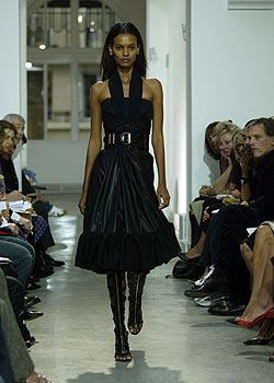 Balenciaga Spring 2005 Ready-to-Wear Collections 0001