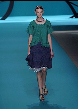 Cacharel Spring 2005 Ready-to-Wear Collections 0001