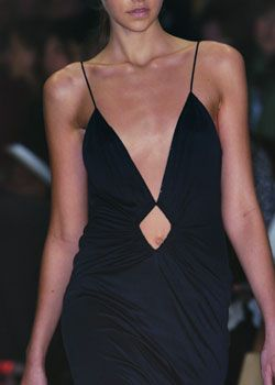 Richard Tyler Fall 2005 Ready-to-Wear Detail 0001
