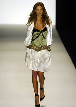 Chloe Spring 2005 Ready-to-Wear Collections 0001