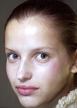 As Four Spring 2005 Ready-to-Wear Backstage 0001