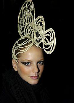 Franck Sorbier Spring 2005 Haute Couture Backstage 0001