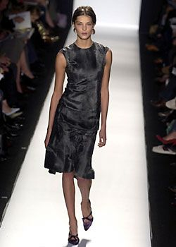 Carolina Herrera Fall 2005 Ready-to-Wear Collections 0001