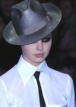 Laurent Mercier Spring 2005 Haute Couture Detail 0001