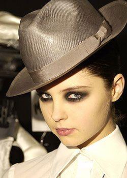 Laurent Mercier Spring 2005 Haute Couture Backstage 0001