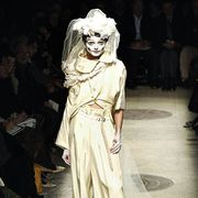 Comme des Garcons Fall 2005 Ready-to-Wear Collections 0001