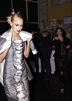 Valentino Spring 2005 Haute Couture Backstage 0001