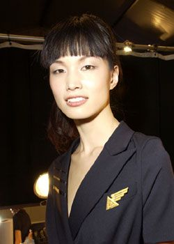 Richard Tyler Fall 2005 Ready-to-Wear Backstage 0001