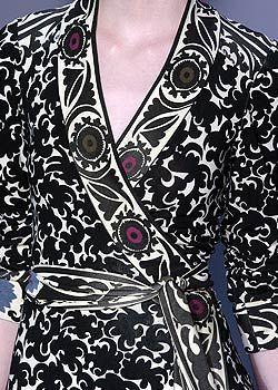 Diane von Furstenberg Fall 2005 Ready-to-Wear Detail 0001