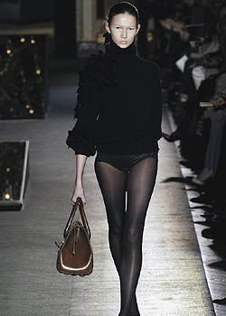 Giambattista Valli Fall 2005 Ready-to-Wear Collections 0001