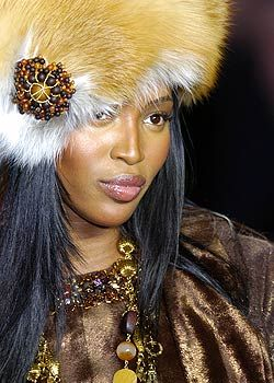 Anna Sui Fall 2005 Ready-to-Wear Detail 0001