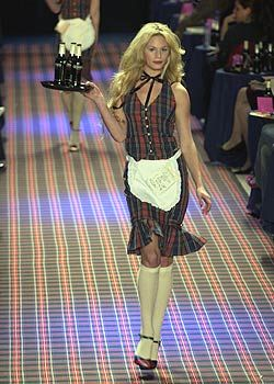 Betsey Johnson Fall 2005 Ready-to-Wear Collections 0001