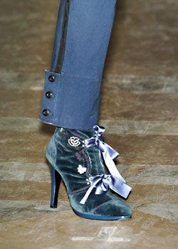 Jill Stuart Fall 2005 Ready-to-Wear Detail 0001
