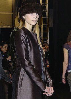 Vera Wang Fall 2005 Ready-to-Wear Backstage 0001