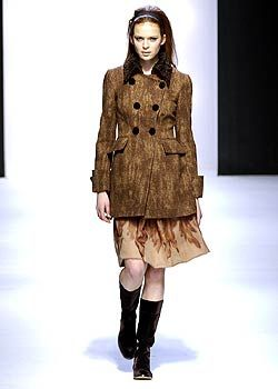 Alberta Ferretti Fall 2005 Ready-to-Wear Collections 0001