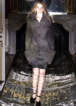 Hussein Chalayan Fall 2005 Ready-to-Wear Collections 0001