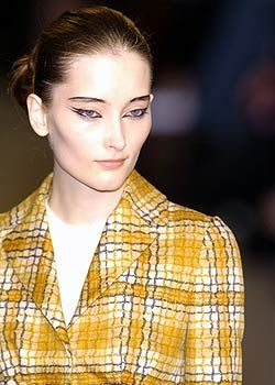 Anna Molinari Fall 2005 Ready-to-Wear Detail 0001