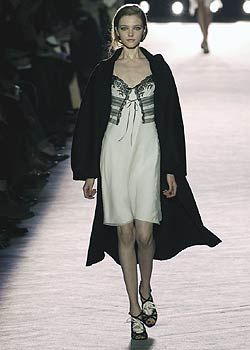 Nina Ricci Fall 2005 Ready-to-Wear Collections 0001