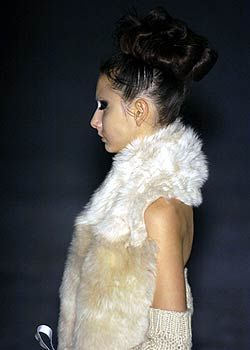 A.F. Vandevorst Fall 2005 Ready-to-Wear Detail 0001