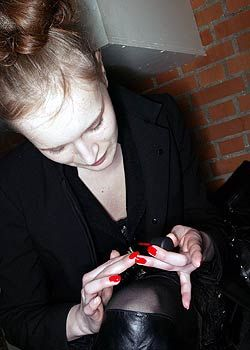 A.F. Vandevorst Fall 2005 Ready-to-Wear Backstage 0001